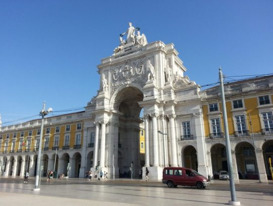 Why Lisbon Portugal is the Perfect Place to Have a Flight Layover