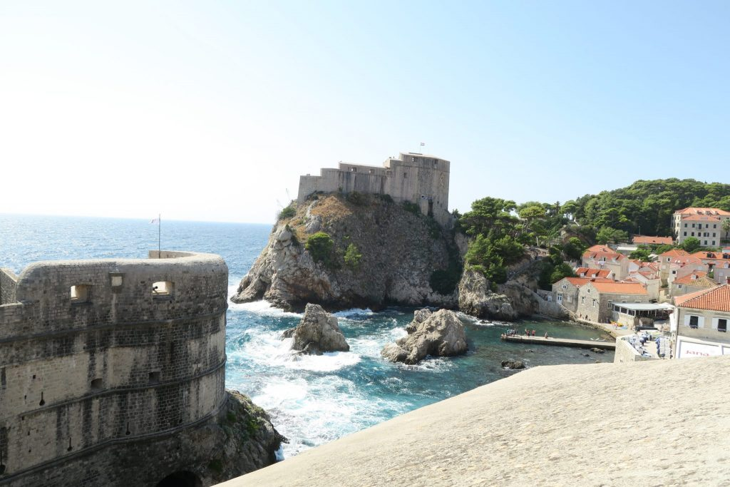 7 reasons why dubrovnik has so many damn tourist 12 pictures i personally did not do the game of thrones tour because i felt that its really just one big fat tourist trap many people whos done it told me it wasnt solutioingenieria Images