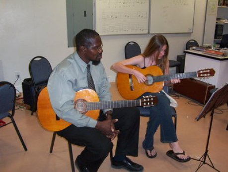 Kenton Wyatt teaching Classical Guitar
