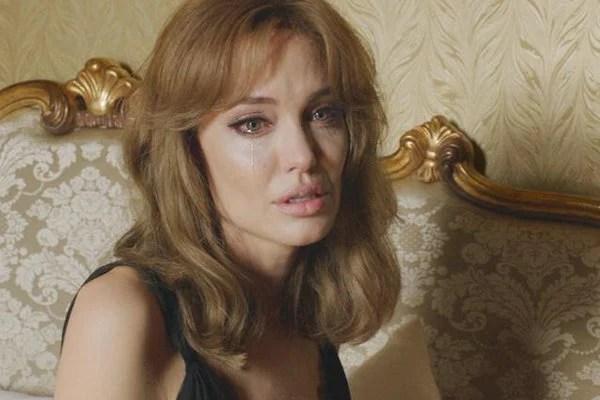 Angelina Jolie gầy như sắp chết, nhập viện vì rối loạn tâm thần và muốn tự tử? - Ảnh 2.