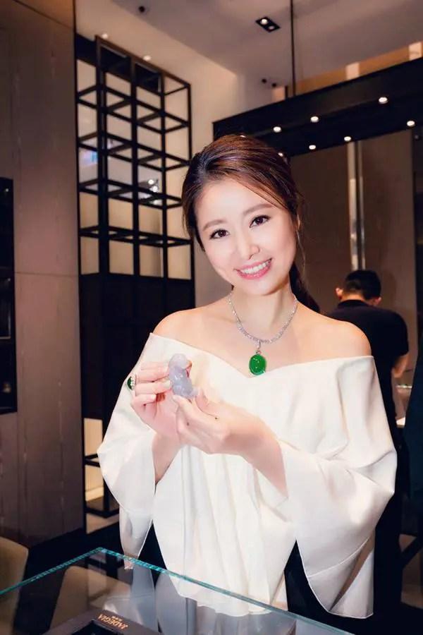 Trong khi nữ thần Hàn Quốc đập đi xây lại thì mỹ nhân Cbiz chỉ cần niềng răng thôi đã lên đời nhan sắc - Ảnh 18.