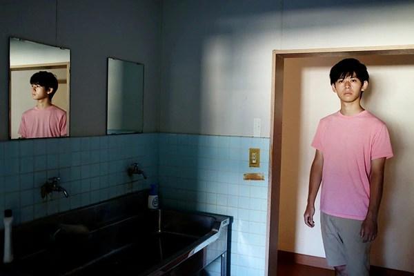 Vén bức màn bí mật về cuộc sống lẩn khuất hàng chục năm trong những căn phòng của hơn triệu người Nhật - Ảnh 3.