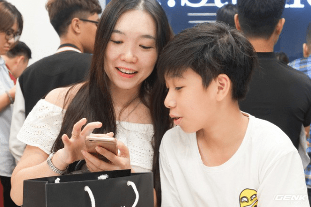 Difficult for him: Class 8 is waiting for the iPhone XS Max, but must be shared with his sister - Picture 3.