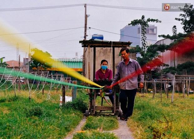 Chuyện những người miền Tây cuối cùng nán lại khu đất hoang Sài Gòn để chạy dây kiếm sống - Ảnh 6.
