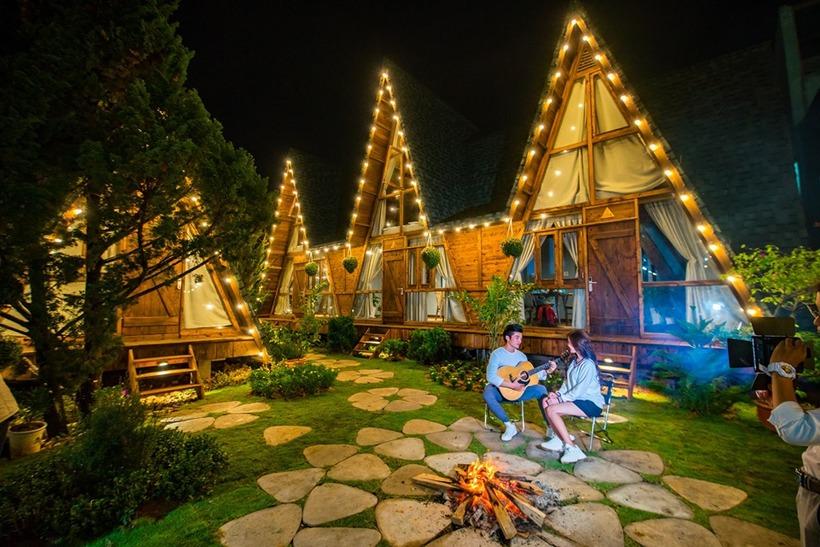 An Mộc Gia Trang - nhà gỗ ven hồ view sống ảo bá cháy