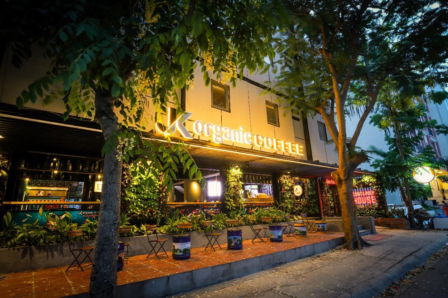JK Container House: Điểm đến siêu mới tại Phước Kiển, Nhà Bè cho các khách du lịch trẻ khởi nghiệp