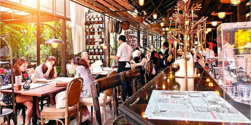 泰國曼谷下午茶   KARMAKAMET DINER(BTS Phrom Phong站)隱身在都市裡充滿香氛的神秘花園,巨型夢幻彩虹綿花糖超吸睛。