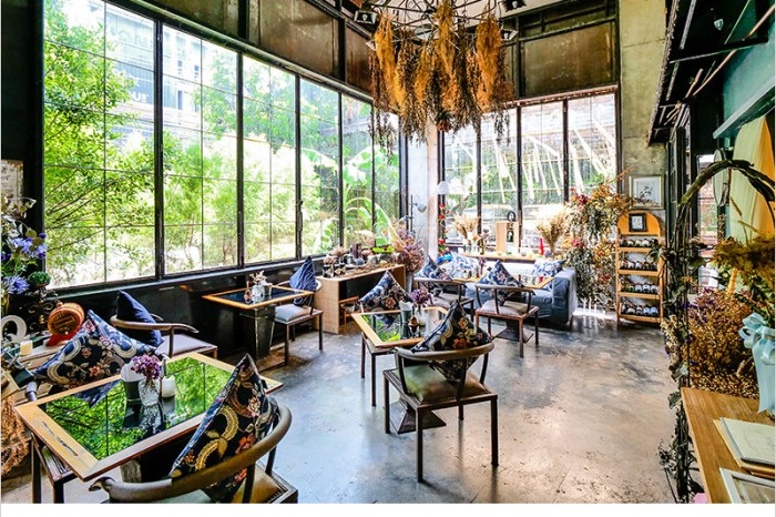 泰國曼谷咖啡廳   Quaint Bangkok (Thong Lo)-隱身在巷弄的歐式復古風格咖啡廳,裝潢懷舊典雅超好拍照。