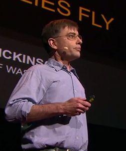 マイケル・ディキンソン: ハエはどうやって飛ぶの?