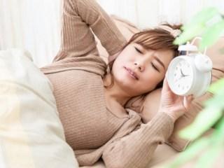 睡眠不足の女性