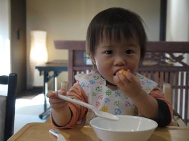 1歳児が食事を投げるのはなぜ?すぐできる対策が知りたい!