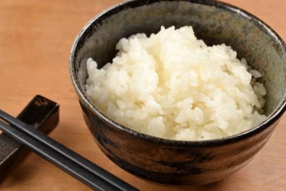 玄米と白米の栄養価は?ご飯は1日に何g食べて良いもの?