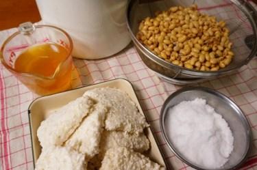 味噌作りは塩が不可欠!おすすめの食材で手作り味噌を作ろう