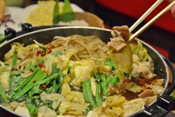 身体の芯から温まるもつ鍋味噌スープの美味しいレシピを紹介