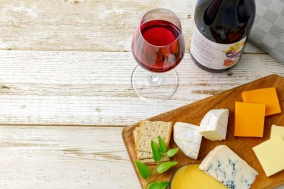 たまらない組み合わせ!ワインとチーズのカロリーは?