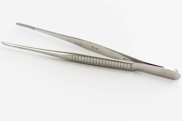 鼻の角栓をピンセットで取り除くのはあまり良くないの?