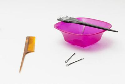 髪を染める道具