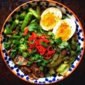 Easy Ramen with Chicken, Pak Choi and Soft Boiled EggRamen with Chicken, Pak Choi and Soft Boiled Egg