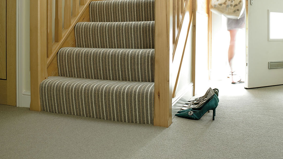 5 Useful Tips On How To Choose The Right Carpet For Your Stairs | Light Grey Carpet Stairs | Industrial | Runner | Modern | Grey Vinyl Flooring | Living Room