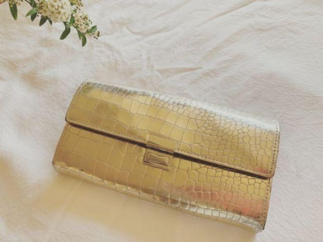 風水から見た良い財布のカラーとは