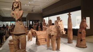 しだみ古墳群ミュージアム開館。「土偶」と「埴輪」の違い、分かる?