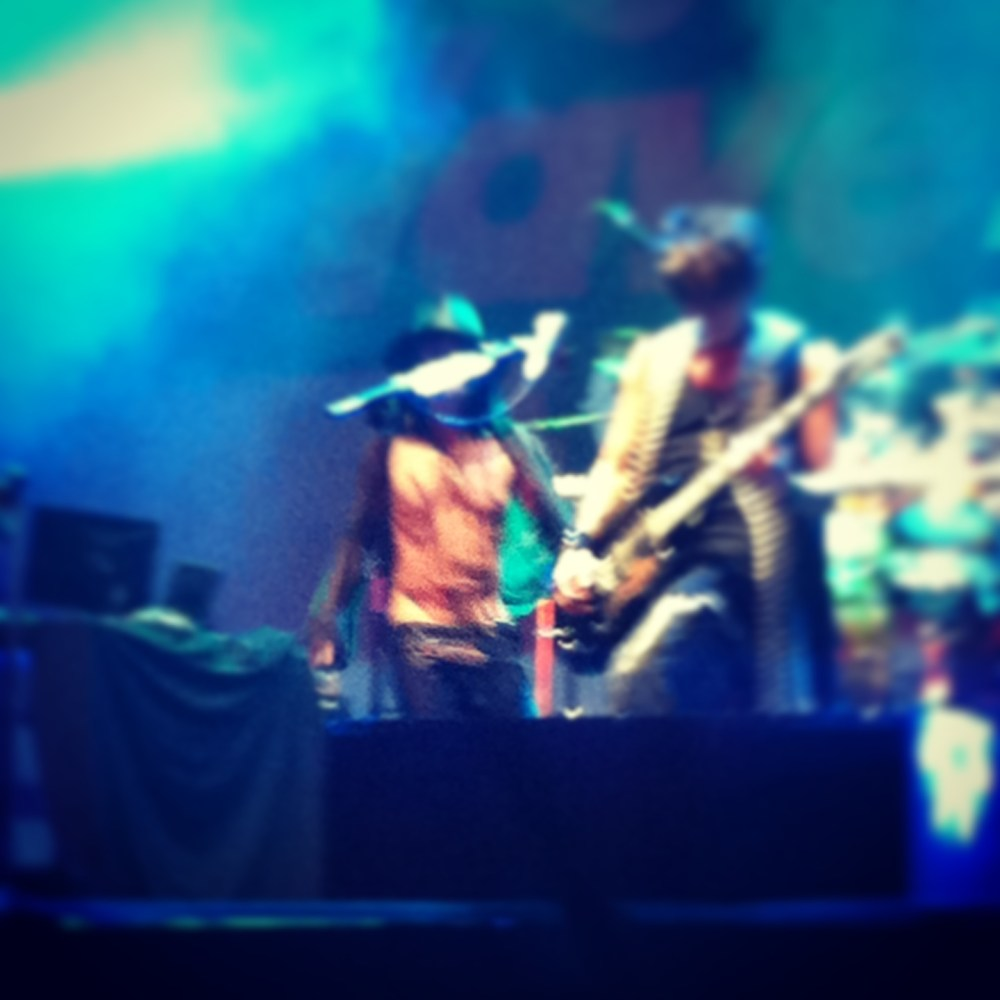 LIVE REPORT: VAMPS at Hyper Wave Festival in Jakarta (November 29, 2013) (1/6)