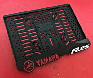 Yamaha kentekenplaathouder uitstekend