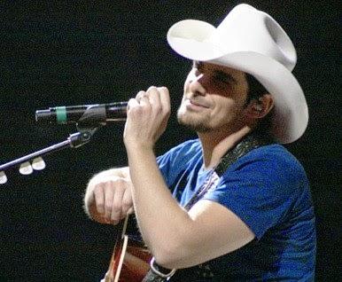 Brad Paisley provides country music showmanship at KFC Yum Center
