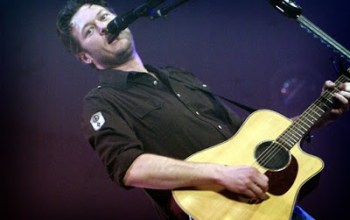 Blake Shelton Sizzles Live in Corbin