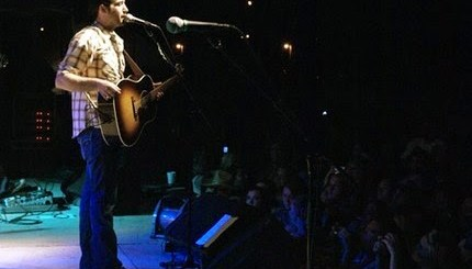 Josh Thompson performing at the WFKY Froggy Field Party. Photo by Jessica Blankenship.