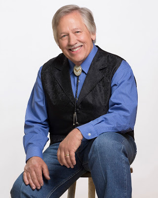 Walking behind the star with John Conlee