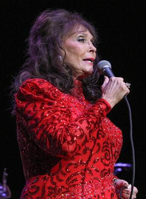 Loretta Lynn to receive Grammy Lifetime Achievement Award