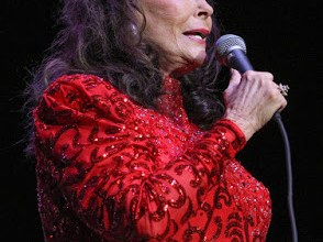Kentucky native Loretta Lynn celebrates birthday and 50 years in business