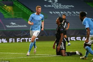 Kevin De Bruyne darts away after scoring an equalizer in the 69th minute