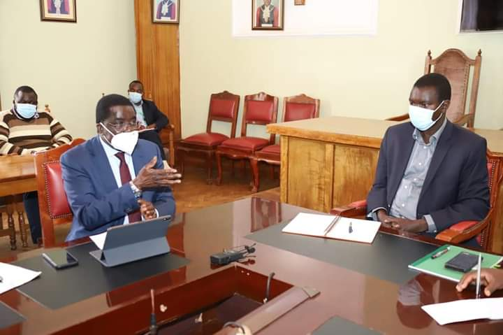 Governor Mandago with Kenya Railways Corporation management team at his office