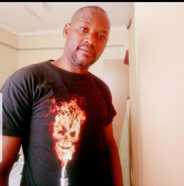 Notorious Nakuru man who is 'chewing' older women, recording them and blackmailing them exposed (PHOTO)