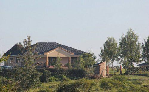 Mpogo Lodge