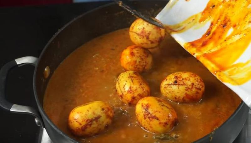 Procedure of how to Cook Egg Curry, Kenyan Recipe