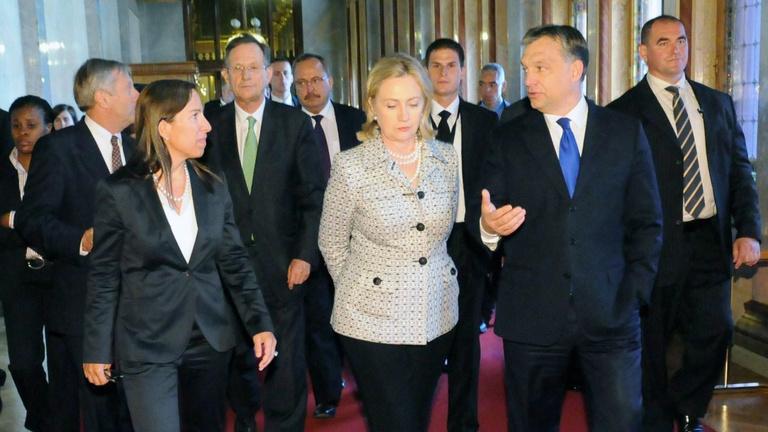 Horror lenne Orbánéknak Hillary Clinton elnöksége