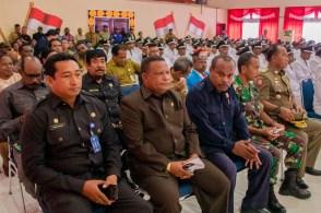 pengambilan sumpah/janji dan pelantikan 70 (tujuh puluh) kepala kampung di Kabupaten Kepulauan Yapen