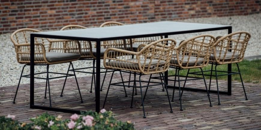 Ga voor de luxe en het gemak van een keramische buitentafel!
