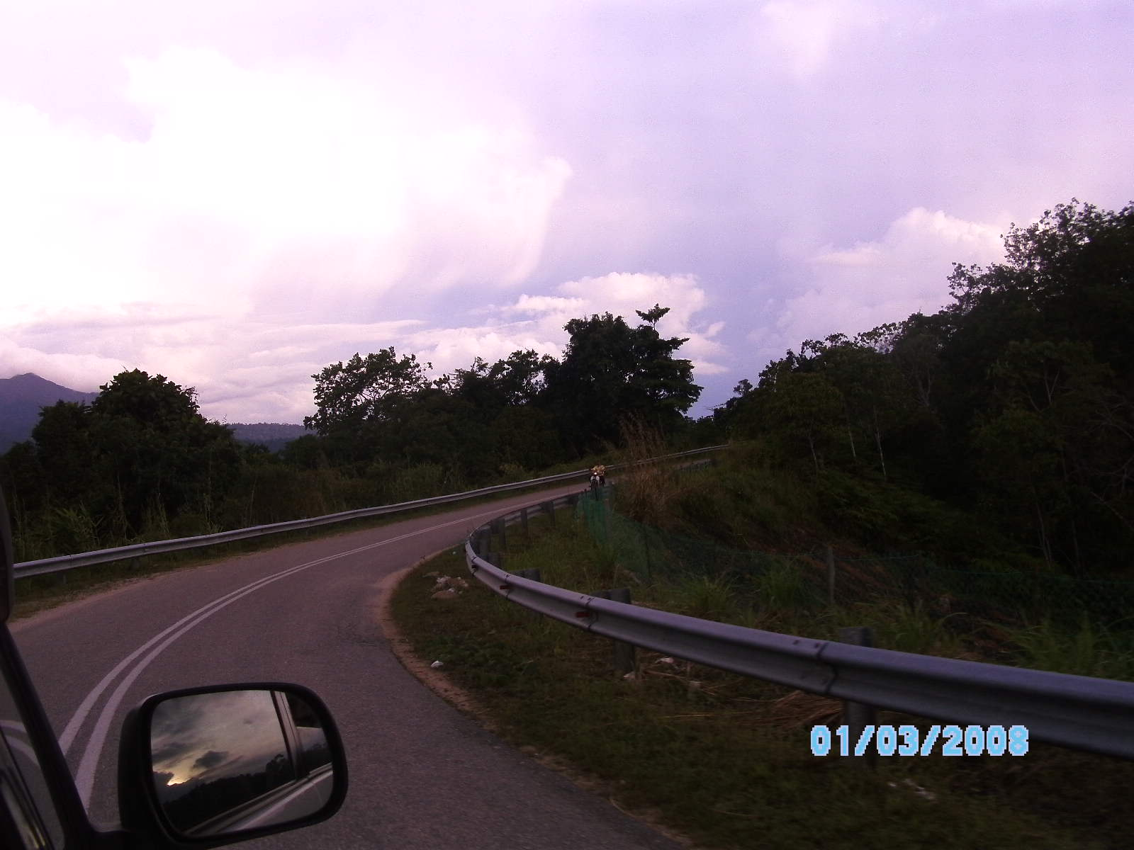Kiri kanan jalan alam nan hijau, sehijau PAS.