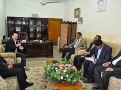 ندوة الدكتور حسن الزين مع كلية التمريض والمركز1