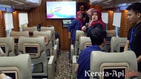 Kereta Api Pariwisata - patainanews.com