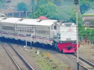 Kereta Sriwijaya - (Youtube: Hamid Railfans PRP)