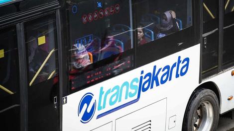 Layanan Bus Transjakarta - megapolitan.kompas.com