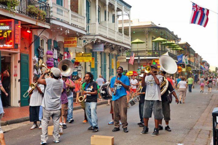 NOLA-A-jazz-band-on-Bourbon-Street-GrindTV.com_-768x512
