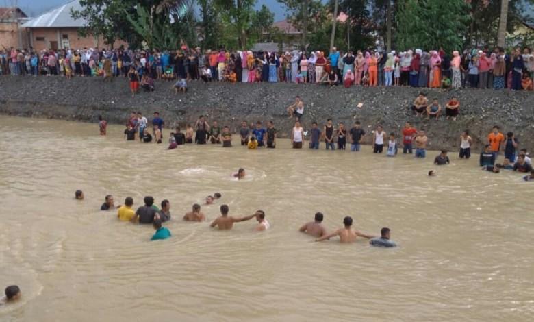 Photo of 4 Jam Pencarian, Bocah SD Warga Semurup yang Tenggelam Belum Ditemukan