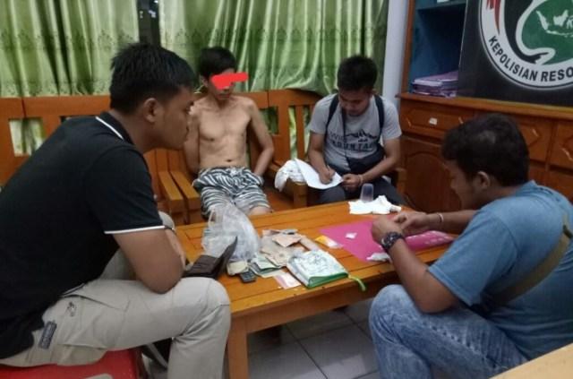 Photo of Jajaran Polres Tebo Tangkap Bandar Sabu di Tebo Ulu