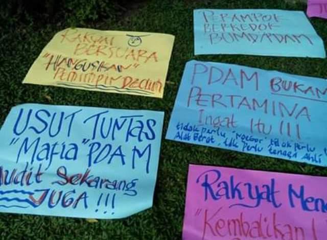 Photo of Warga Desak Fasha Wali Kota Jambi Copot Direktur PDAM